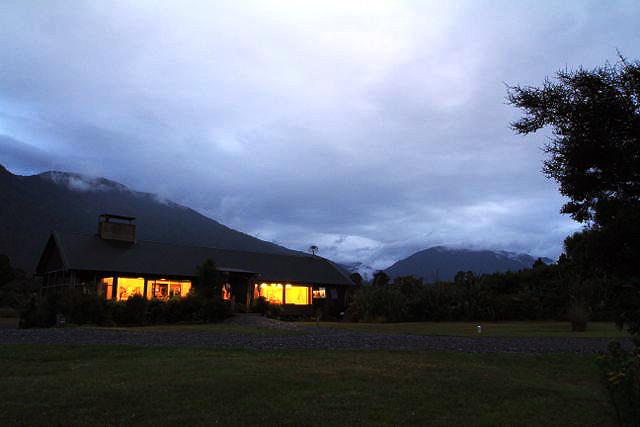 NZロケでお世話になったロッジ夕暮れ